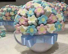 Usa caramelos y golosinas de colores llamativos para crear obsequios sencillos y económicos que cautivaran a quien los reciba. Ideas de...