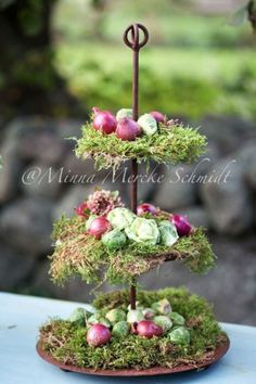TIERED MOSS TRAY WITH PASTEL CHOCOLATES