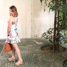 A floral summer dress.  Street style. Instagram.com/christyc