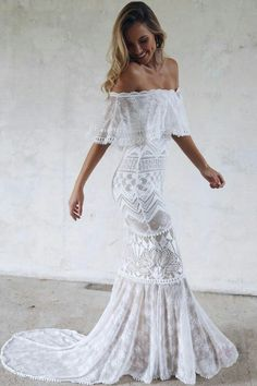 We absolutely adore Grace Loves Lace! The most popular bridal dresses in Beautiful bridal dresses and wedding gowns and the bridal shoes to match. White Lace Wedding Dress, Western Wedding Dresses, Lace Bride, Perfect Wedding Dress, Boho Wedding Dress, Bridal Dresses, Wedding Gowns, Lace Dress, Prom Dresses