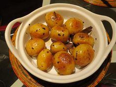 Batata calabresa assada com alho, alecrim e louro - Baked potato with garlic, rosemary and bay leaf
