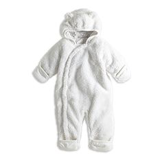 A cosy and comfy overall that keeps your baby warm for hours. The tiny ears and fluffy feel make this soft piece totally adorable.