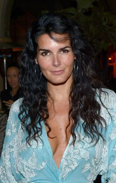Angie Harmon Photos Photos - Actress Angie Harmon attends the Naeem Khan Private Dinner at the Chateau Marmont on May 2, 2012 in Los Angeles, California. - Naaem Khan Private Dinner