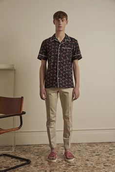 See the complete Au Jour Le Jour Spring 2016 Menswear collection.