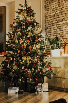 Cosy Christmas, Country Christmas, Christmas And New Year, Merry Christmas, Christmas Tree Inspiration, Winter Fairy, Autumn Photography, Xmas Decorations, Living Room Designs