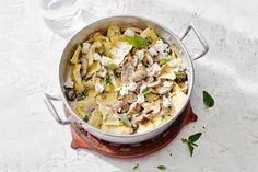 Kijk wat een lekker recept ik heb gevonden op Allerhande! Ravioli met geitenkaas en paddenstoelensaus