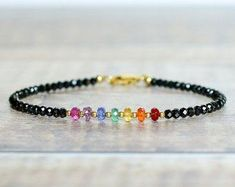 Rainbow Gemstone Chakra Bracelet Mothers Day Jewelry Ideas There is no restrict to the fun and exqui Bracelet Chakra, Chakra Armband, Chakra Jewelry, Gemstone Bracelets, Handmade Bracelets, Gemstone Jewelry, Ankle Bracelets, Handmade Jewellery, Silver Bracelets