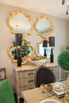 "Pinner says, ""Gold quatrefoil mirrors - I've seen this mirror shape at Target & Walmart. Just spray paint them gold!"" Target has a mirror like this now for Threshold™ Clover Mirror - Gold Dining Room Mirror Wall, Dining Room Images, Dining Rooms, Dinning Table, Target Wall Decor, Gold Wall Decor, Mirror Shapes, By Any Means Necessary, Gold Walls"