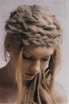 I wish my hair was not so flat and straight, but had a little more volume in it. I would love to dress it up in braids. Braids are very s. My Hairstyle, Pretty Hairstyles, Braided Hairstyles, Hairstyle Ideas, Hairstyle Photos, Hairstyle Tutorials, Braided Updo, Prom Hairstyles, Pretty Braids
