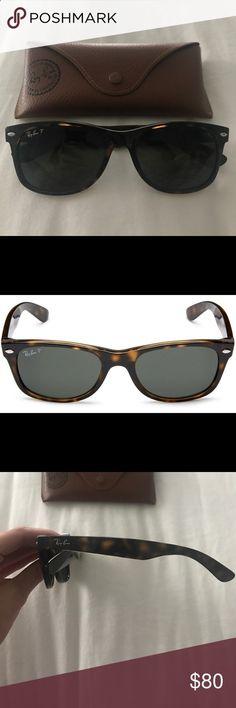 RAY BAN WAYFARER Great condition. Ray-Ban Accessories Sunglasses