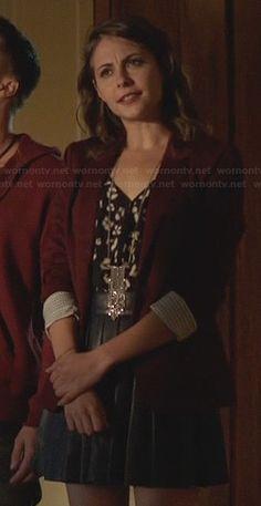 Thea's black leather pleated skirt and burgundy blazer on Arrow.  Outfit Details: http://wornontv.net/23728/ #Arrow