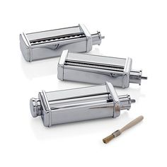 Designed to work with the Smeg stand mixer, this handy set of stand mixer attachments crafts delicious homemade pasta. Pasta maker set includes pasta roller and fettuccini and tagliolini cutters.