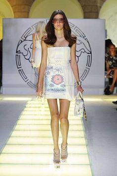 Défilé Printemps-été 2012 Versace