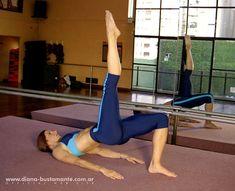 Excelente ejercicio aplicable a Fit Pilates o PowerFlex: puente de hombros con elevacion de pierna extendida!  www.diana-bustamante.com.ar
