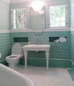 Guest Bath Tub With Subway Tile Surround Jpg 1425 215 1069