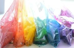Divide your dry pasta into the zippered bags. Add 2 squirts of Food Colour 1 capful of rubbing alcohol Shake to mix Let dry on Paper Towel Kids Learning Activities, Montessori Activities, Infant Activities, Projects For Kids, Diy For Kids, Art Projects, Preschool Crafts, Fun Crafts, Pasta Crafts