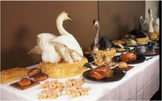 Food History Jottings: Recreation of a Grocers' Company feast from 1566. Being able to serve a wide variety of birds at a feast was a symbol status in Tudor and medieval England. © Ivan Day