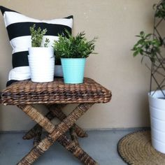 Stripes + seagrass = the perfect outdoor combination for Summer!