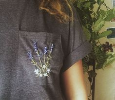 Embroidered Lavender Bouquet Pocket T Shirt The Best of clothes in - Fashion Ideas - Luxury Style Mode Style, Style Me, Lavender Bouquet, Creation Couture, Mode Inspiration, Diy Clothes, Diy Fashion, Fashion Trends, Hand Embroidery