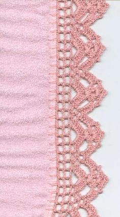 This is an interesting and nice stitch pattern: the Chevron Retro Stitch Wave Crochet pattern which I'm sure you guys would like to know how it is done. Crochet Boarders, Crochet Blanket Edging, Crochet Edging Patterns, Crochet Lace Edging, Crochet Motifs, Thread Crochet, Love Crochet, Filet Crochet, Irish Crochet