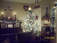 Primitive Christmas Decorating Ideas | Country Christmas 2008, These are our Christmas decorations in our ...