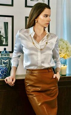 Sexy Blouse, Blouse And Skirt, Satin Top, Silk Satin, Classy Outfits, Sexy Outfits, Satin Bluse, Beautiful Blouses, Office Outfits
