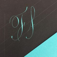 'F' in cobalt turquoise gouache. Love this color I wish I weren't such a terrible photographer so I could capture the real color. I love this letter because both majuscule and minuscule give you and easy opporyunity to flourish in case you need it. Both can easily have many variations #handletteredabcs #letterarchive #flourishes #caligrafia #copperplate #caligrafiamexico #pointedpen #gouache #redondainglesa