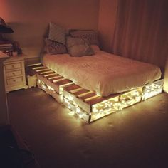 Pallet Furniture For Your Complete Home Sensod Create. Easy To Make And Design Beautiful Pallet Beds Ideas with hidden lights The post Pallet Furniture For Your Complete Home Sensod Create. appeared first on Pallet Diy. Small Apartment Bedrooms, Apartment Bedroom Decor, Small Apartments, Small Spaces, Wooden Pallet Furniture, Furniture Ideas, Bedroom Furniture, Furniture Nyc, Pallet Furniture With Lights