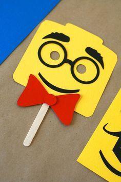 """LEGO Inspired """"Make a Face"""" Birthday Activity / Craft - for a Lego party Lego Themed Party, Lego Birthday Party, 6th Birthday Parties, Boy Birthday, Lego Party Games, Birthday Ideas, Deco Lego, Lego Wedding, Ninjago Party"""