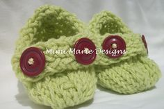 Hand Knit Baby Booties Cute as a  Button Photo by mimimariedesigns, $12.00