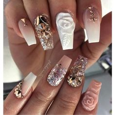 There are three kinds of fake nails which all come from the family of plastics. Acrylic nails are a liquid and powder mix. They are mixed in front of you and then they are brushed onto your nails and shaped. These nails are air dried. Fabulous Nails, Gorgeous Nails, Acrylic Nails 2017, Nail Design Gold, Nails Design, Hair And Nails, My Nails, Vegas Nails, Bling Nails