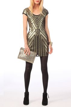 Pin for Later: Ce Noël, Sortez les Sequins!  Molly Bracken Robe à sequins Polly (59€)