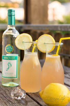 Summer Cocktail - Barefoot Moscato Lemonade: frisch, spritzig, lecker und süffig.