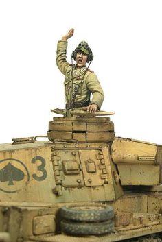 Panzer III Ausf.N in North Afrika in 1/35. Model By KG Lim, figures by Calvin Tan. Great Duo!