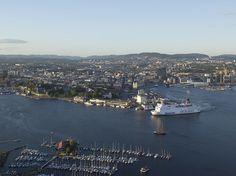 Stena Saga legger fra kai i Oslo.