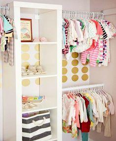 ideas para organizar un closet infantil Ikea Nursery, Girl Nursery, Nursery Room, Room Baby, Baby Rooms, Nursery Decor, Bedroom Decor, Ikea Shelves, Ikea Expedit