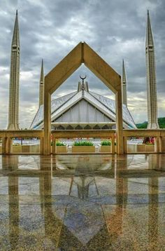 Faisal Mosque Islamabad Pakistan by Muhammad zahid on Mosque Architecture, Religious Architecture, Amazing Architecture, Art And Architecture, Pakistan Zindabad, Islamabad Pakistan, Pakistan Travel, Pakistan Images, Pakistan Pictures