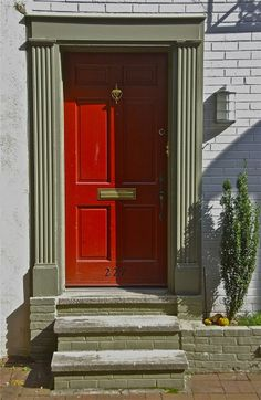 Red door; South Van Pelt Street, Philadelphia, Pennsylvania, USA. October 2015. Click to close image, click and drag to move. Use arrow keys for next and previous.