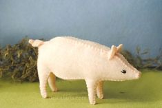 A printable PDF felt pig sewing pattern for your felt toy sewing delight! Oink…