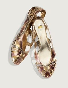LOVE these flats from H remind me of like wicker sandals I used to wear years ago...but current.
