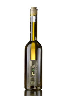 Organic Italian Olive Oil - Olio extravergine BIO, 500 ml Packaging Dielines, Packaging Design, Olives, Cocktail Restaurant, Olive Oil Packaging, Edible Oil, Mustard Oil, Pet Bottle, Bottle Design