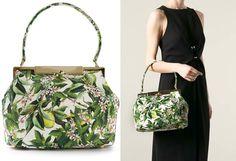Post Consiglio: Stampa a fiori e dettagli in metallo dorato: la Sara Bag è piccola e preziosa, Dolce&Gabbana.  #SaraBag #DolceGabbana #PostConsiglio #fashionblogger