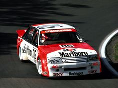 Peter Brock: Probably the best Driver of all time. Australian V8 Supercars, Australian Muscle Cars, Aussie Muscle Cars, Sports Car Racing, Sport Cars, Road Racing, Racing Team, Auto Racing, Nascar