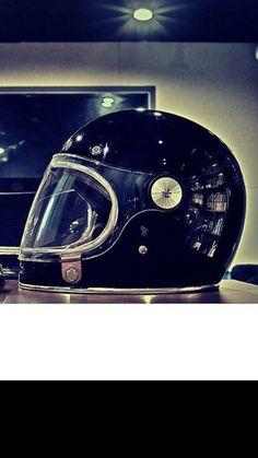 Retro Motorcycle Helmets, Motorcycle Gear, Vintage Style, Vintage Fashion, Custom Helmets, Riding Gear, Cafe Racers, Buckets, Motocross
