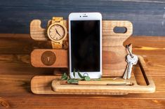 Phone charger stationWooden cell phone standCustom Wood StandSpiderman LogoSuperhero Wood Stationphone standdocking station - Samsung Phone Holder - Ideas of Samsung Phone Holder - Phone charger stationWooden cell phone standCustom Wood Desk Phone Holder, Iphone Holder, Iphone Stand, Cell Phone Stand, Iphone Phone, Phone Charger, Diy Phone Case, Iphone S6 Plus, Wooden Gifts