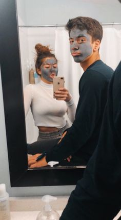 35 Goofy Face Mask Couple Goals You Dream To Have – Page 35 of 35 – Cute Hostess For Modern Women – Keep up with the times. We're here for you. Beaux Couples, Cute Couples Photos, Cute Couple Pictures, Cute Couples Goals, Goofy Couples, Couple Goals Teenagers, Couple Pics, Couples Halloween, Teen Couples