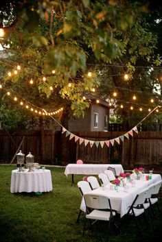 This DIY garden party decoration gives your summer party atmosphere! DIY decoration ideas This DIY garden party decoration gives your summer party atmosphere! Outdoor Graduation Parties, Graduation Party Decor, Outdoor Parties, Backyard Parties, Graduation Party Ideas High School, College Graduation, Backyard Party Lighting, Patio Lighting, Lighting Ideas