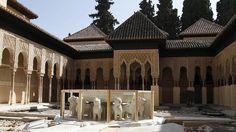 El Patio de los Leones de la Alhambra reabre tras diez años de restauración