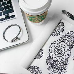 #flatlay flat lay starbucks coffee nail bracelet cartier jewelry fashion mac doodle hanna entangle