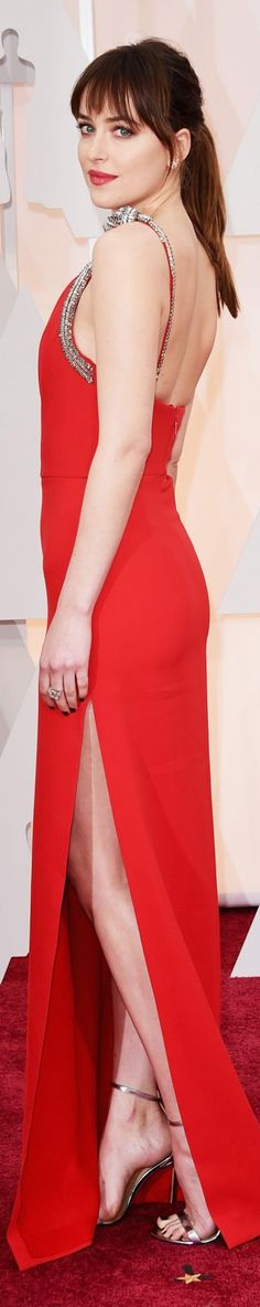 Dakota Johnson 2015 Oscars red carpet